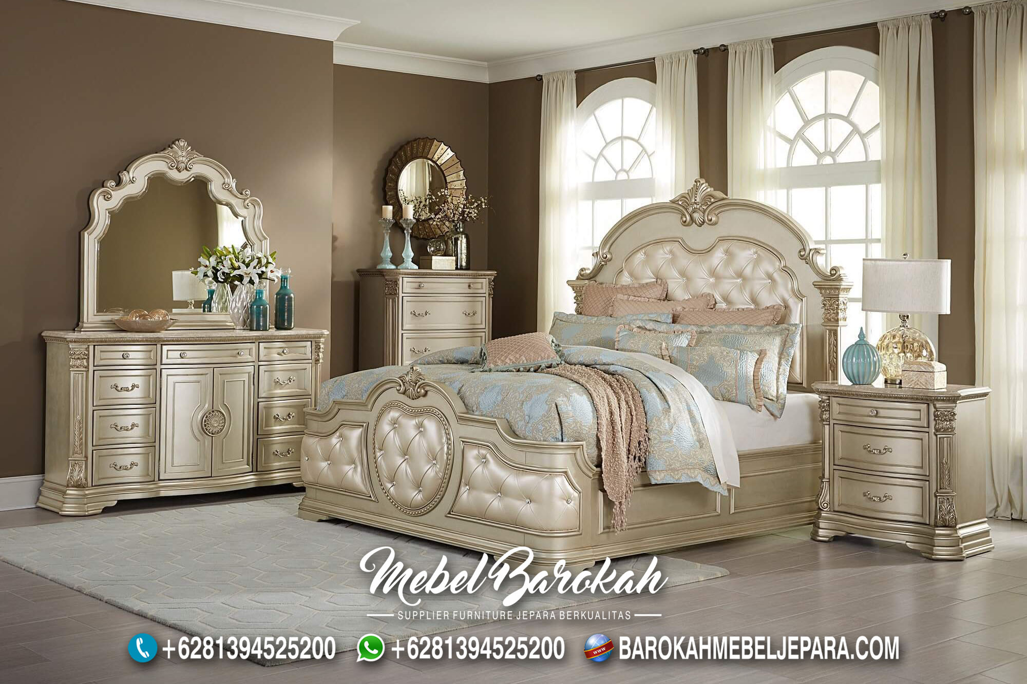 Set Tempat Tidur Mewah Classy Versace MB-665